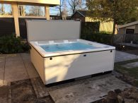 Witte jacuzzi